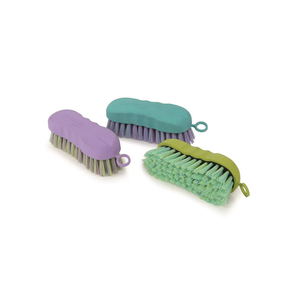 Shires Ezi-Groom Grip Brushes - Contour Face Brush